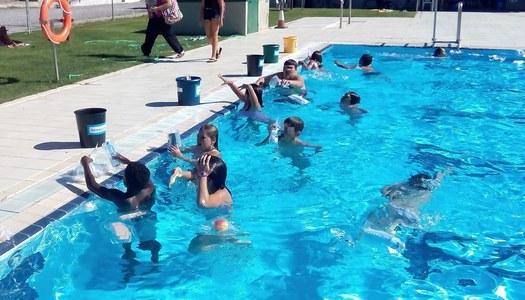 Aprendre a reciclar a les piscines municipals del Pla d'Urgell