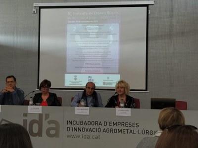 Casos d'èxit i debat sobre el paper de les dones en l'entorn digital