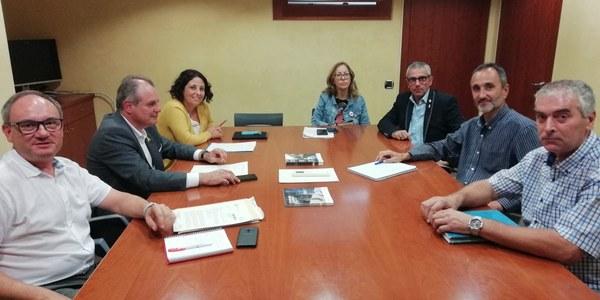 Reunió presidida pel president Panadés i el director de l'ACA, Lluís Ridao.