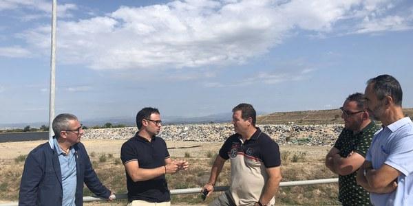 Panadés, durant la visita d'aquest divendres a l'abocador comarcal, a Castellnou de Seana