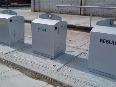 Nova senyalització de les fraccions als 655 contenidors soterrats del Pla d'Urgell